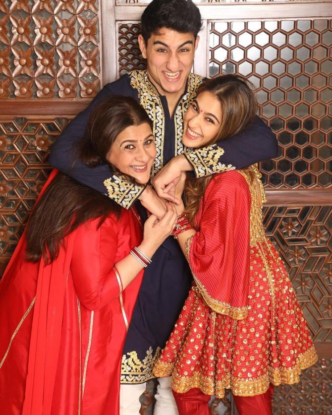 Amrita Singh, Sara Ali Khan and Ibrahim Ali Khan