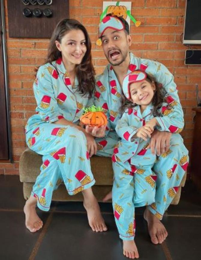 Soha Ali Khan and family