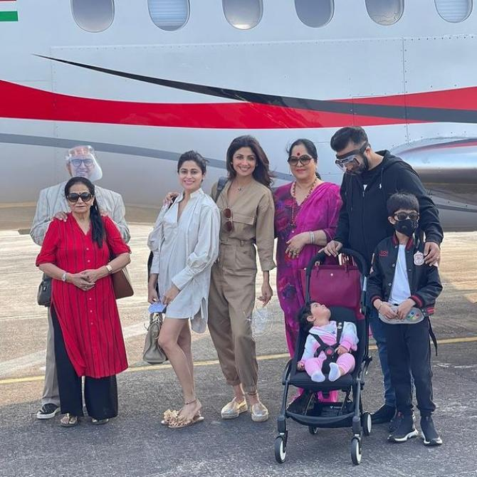 Shilpa Shetty Kundra, Raj Kundra, Shamita Shetty, Viaan Raj Kundra and Samisha Shetty Kundra