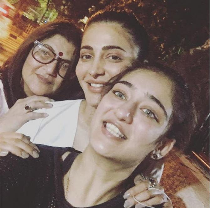 Shruti Haasan, Akshara Haasan and Sarika