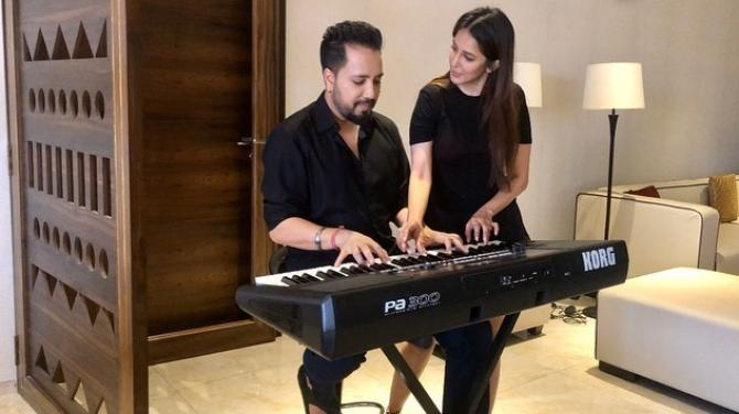 Chahhat Khanna and Mika Singh