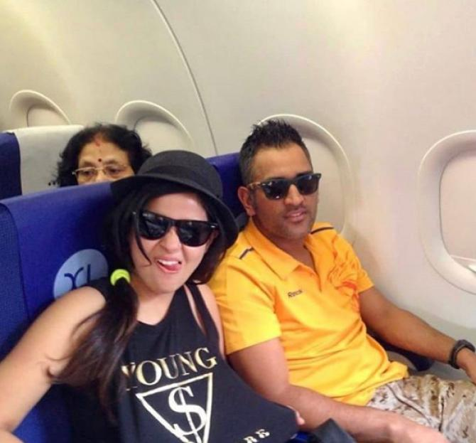 Mahi and Sakshi