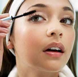 Wedding Makeup How To Do It Yourself : Do It Yourself - Bridal Makeup - BollywoodShaadis.com