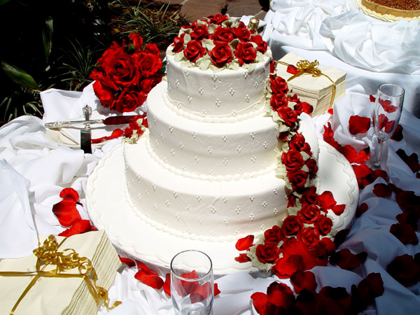 expensive wedding cakes for glamorous weddings. Black Bedroom Furniture Sets. Home Design Ideas