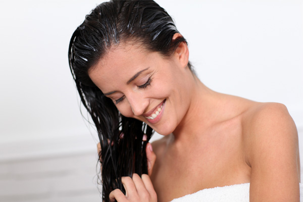 easy beauty tips to get younger looking hair wet hair gentle