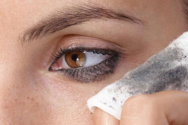 secret makeup mistakes can make you grow old3