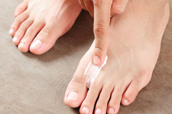 home remedies for pretty soft and beautiful feet vaseline