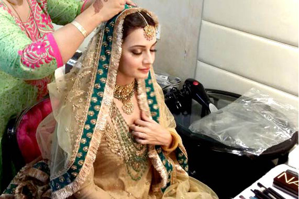 tips to choose correct wedding hairstyles for all brides dia mirza