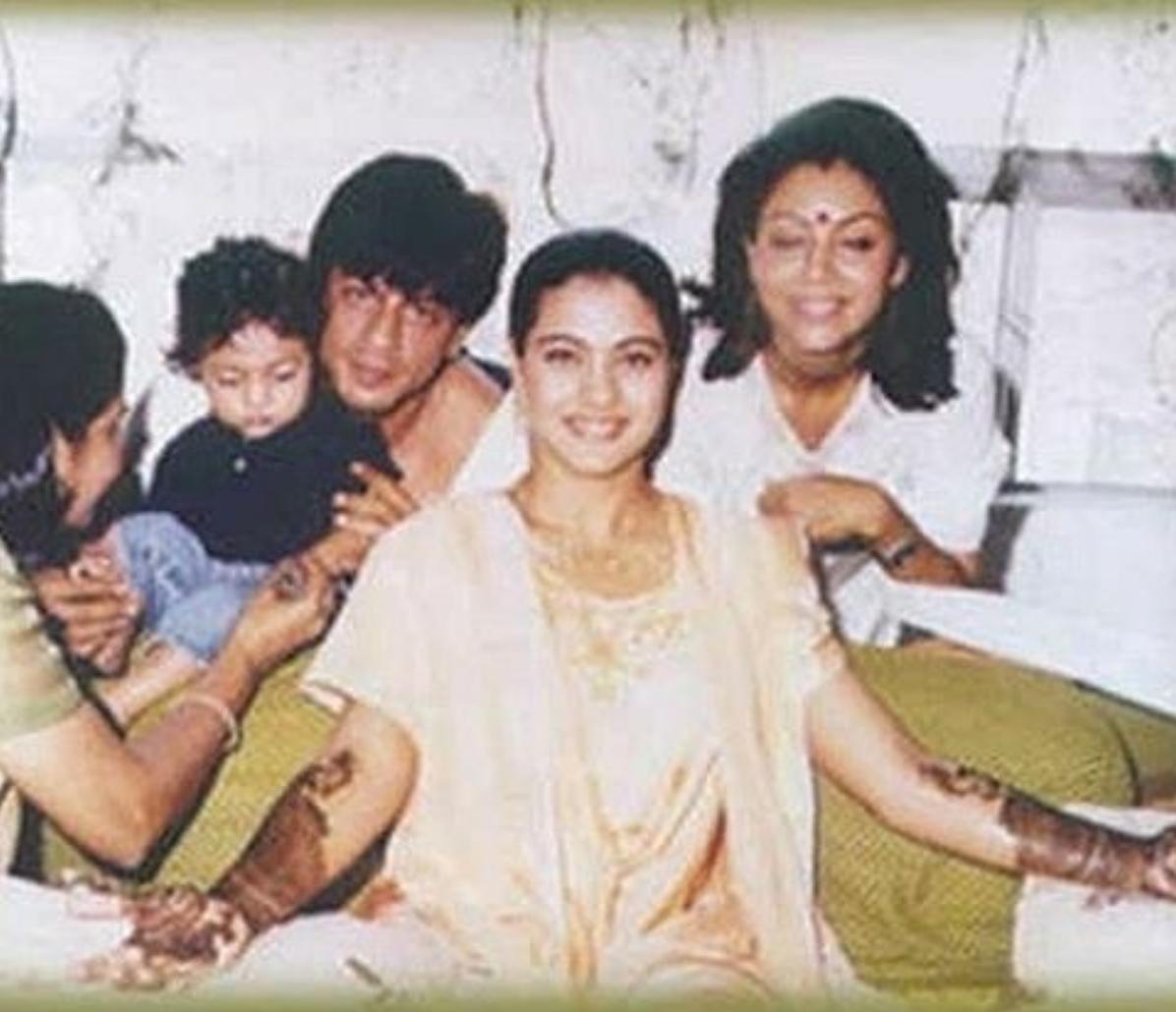 Vintage photo of Shah Rukh Khan and Gauri Khan at Kajol and Ajay Devgn's wedding