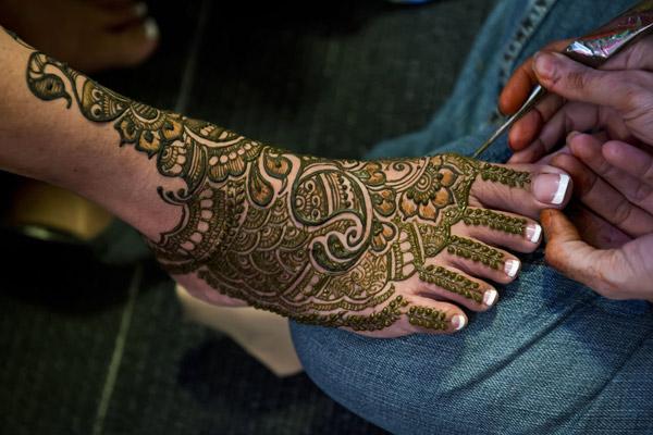 Best Mehendi Artists
