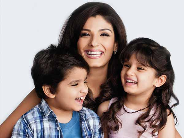 9 super celebrity bollywood moms with their kids raveena tandon with their kids