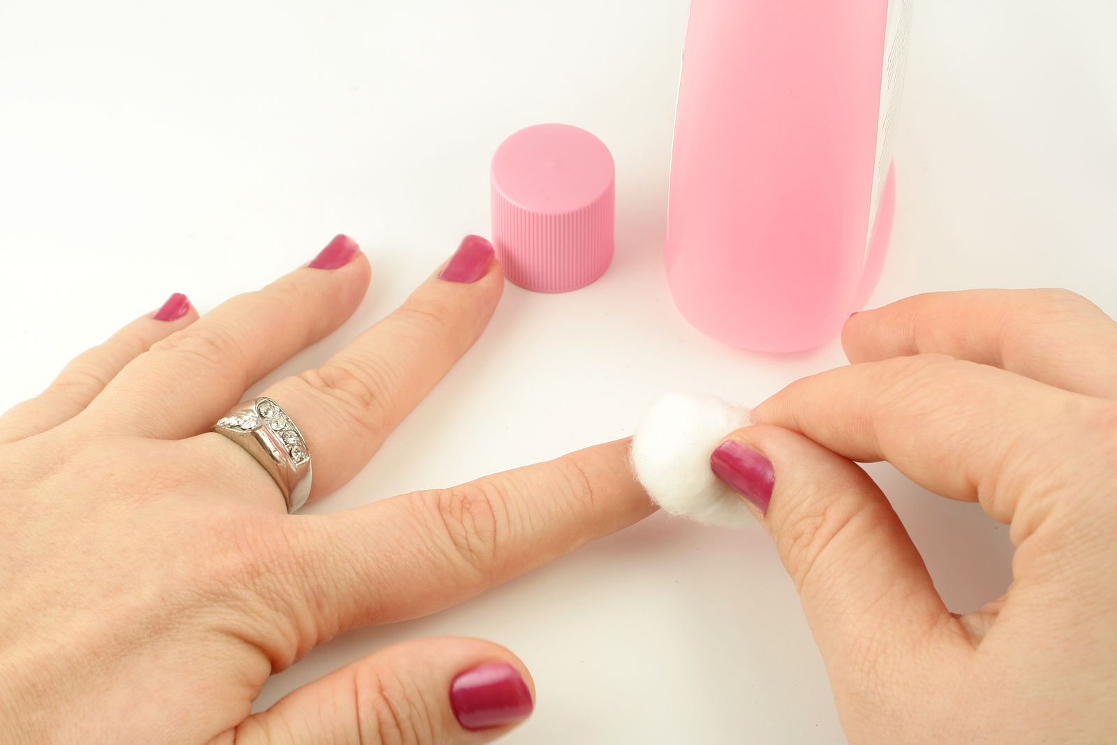 Nail polish to remove nail polish
