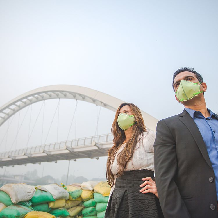 Delhi Pollution Pre-Wedding Photo Shoot