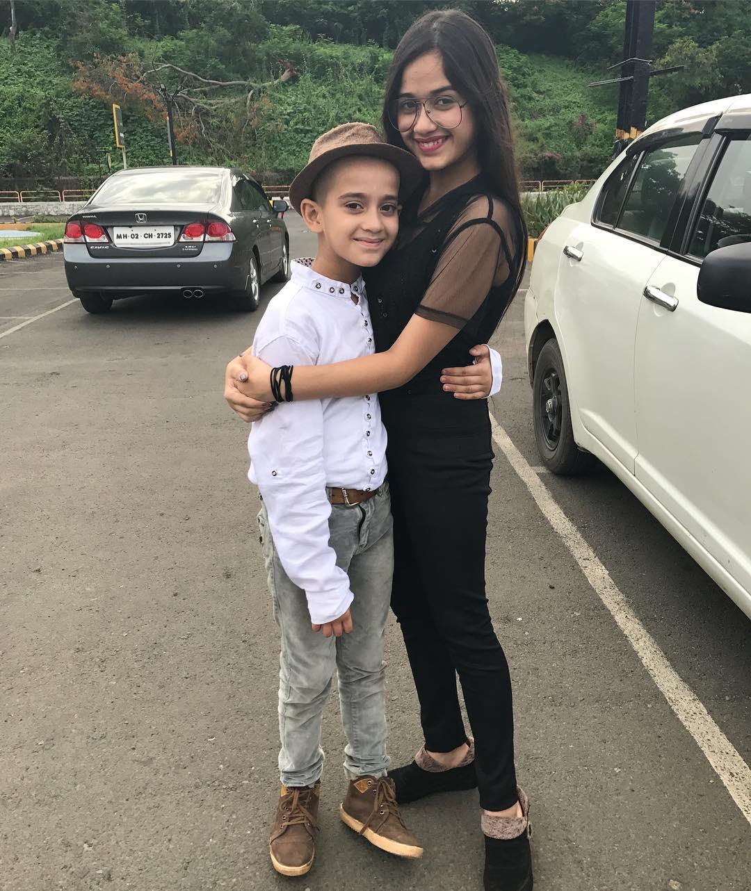 Jannat Zubair and Ayan Zubair