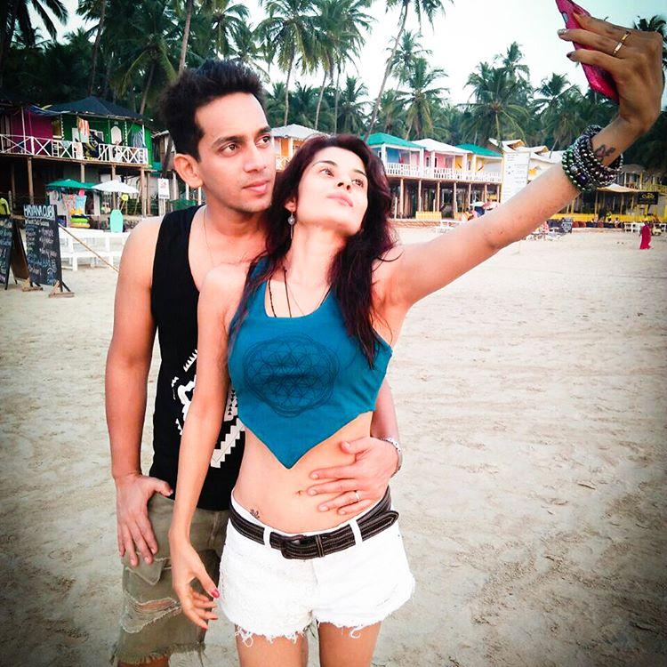 Shamin Mannan And Atul Kumar Honeymoon Pictures