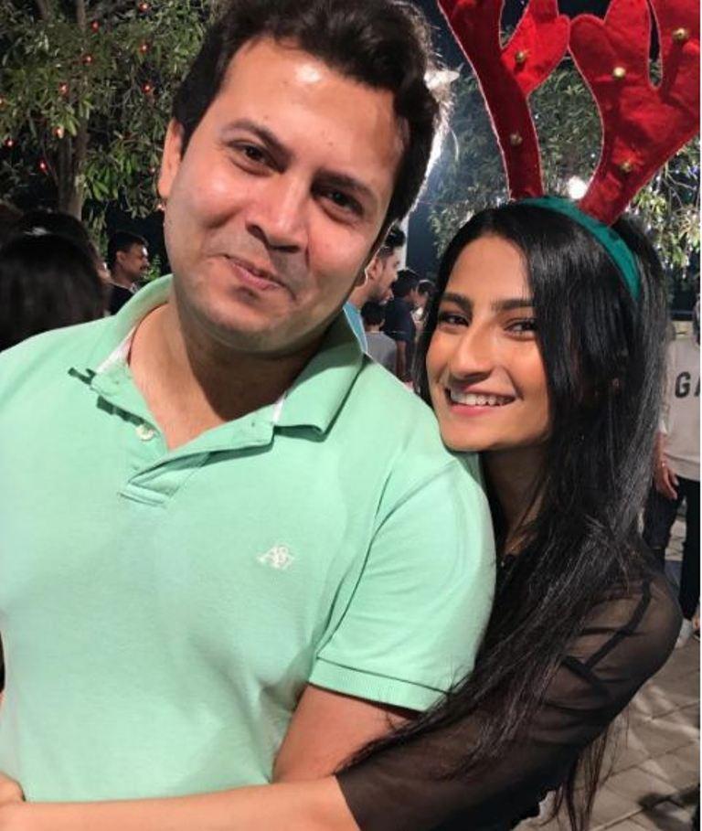 Shweta Tiwari husband and daughter Palak Instagram