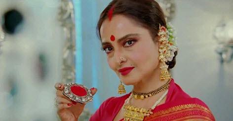 Rekha wearing sindoor