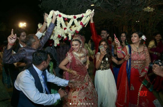 Aashka Goradia Bridal Entry Dance
