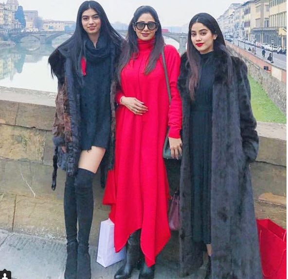 Sridevi with Jhanvi and Khushi