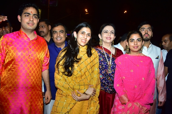 Ambani family at Sidhivinayak temple
