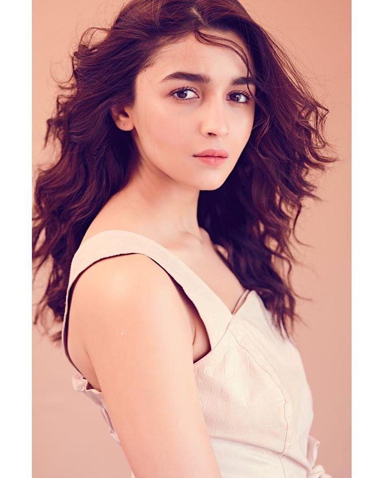 Alia Bhatt Shares If She Is A Possessive Girlfriend