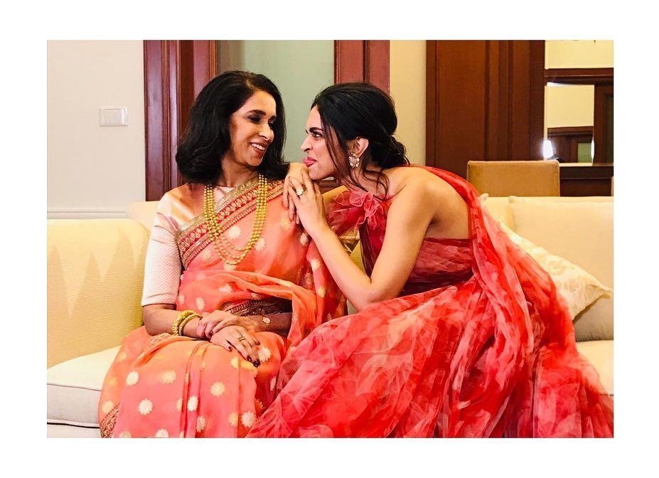Deepika Padukone Tried Hard To Make Her Mother, Ujjala Padukone Smile