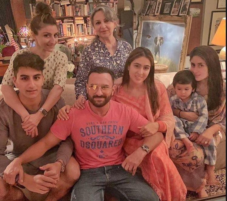 saif and kareena with family