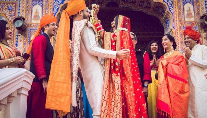 This bride recreated Anushka Sharma Delhi reception look