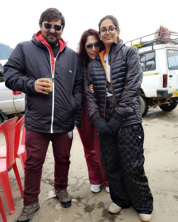 Wajid Khan with his wife and daughter