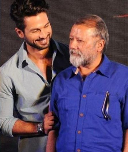 Shahid Kapoor with his father