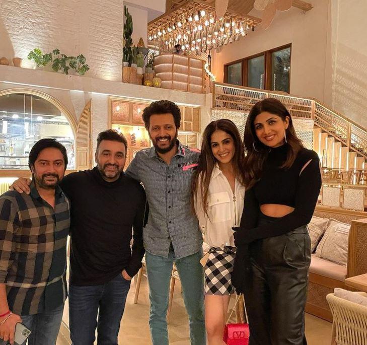 Shilpa Shetty Kundra, Raj Kundra, Riteish Deshmukh and Genelia Deshmukh