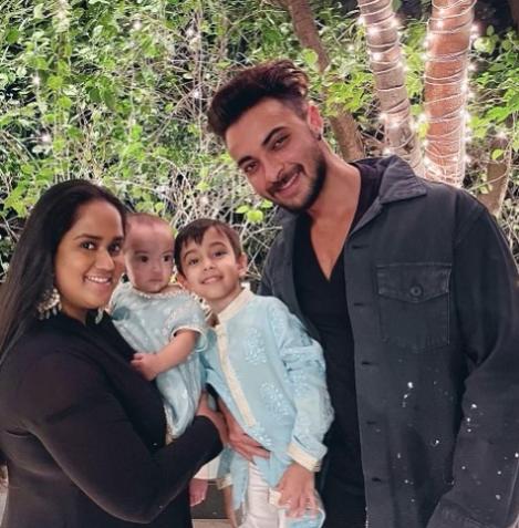 Aayush Sharma family