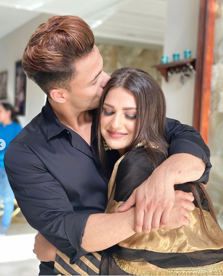Asim and Himanshi official announcement