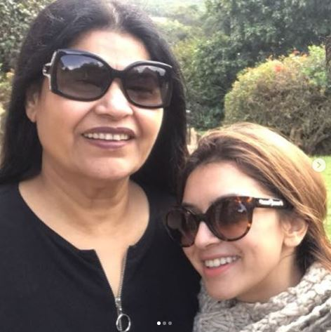Hansika Motwani Mother