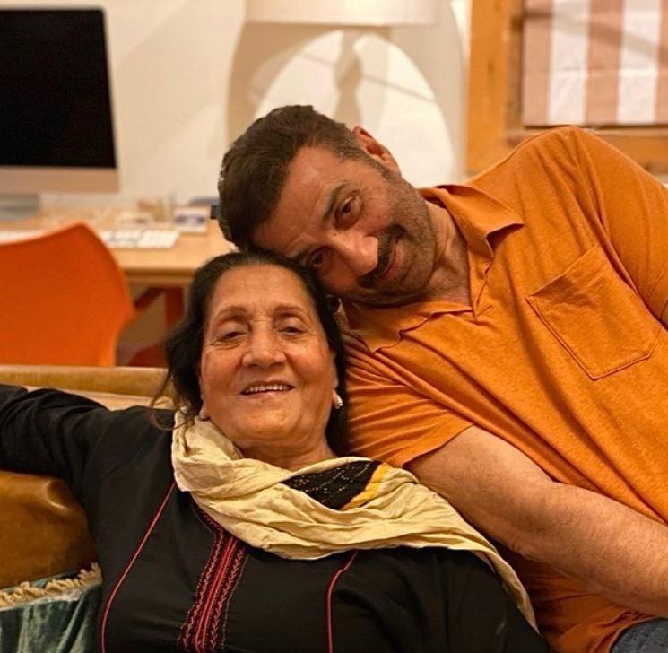 Sunny Deol and Prakash Kaur