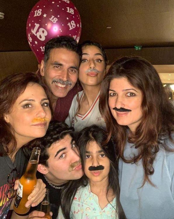 Akshay Kumar, Twinkle Khanna, Aarav and Nitara