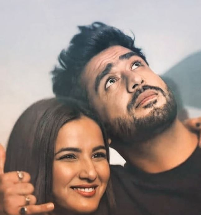 Jasmin Bhasin and Aly Goni