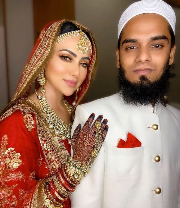 Sana Khan and Mufti Anas