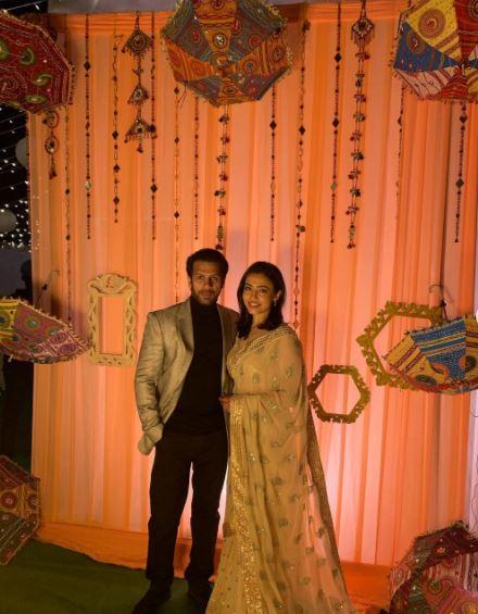 Karan Veer Mehra Nidhi Seth Wedding Varmala Pictures Videos
