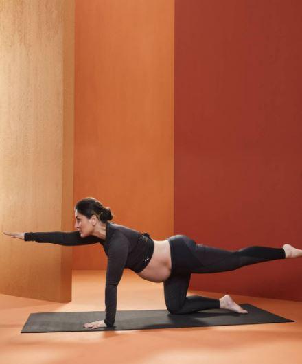 Kareena Kapoor Khan Flaunts Baby Bump Yoga Pregnancy Goals