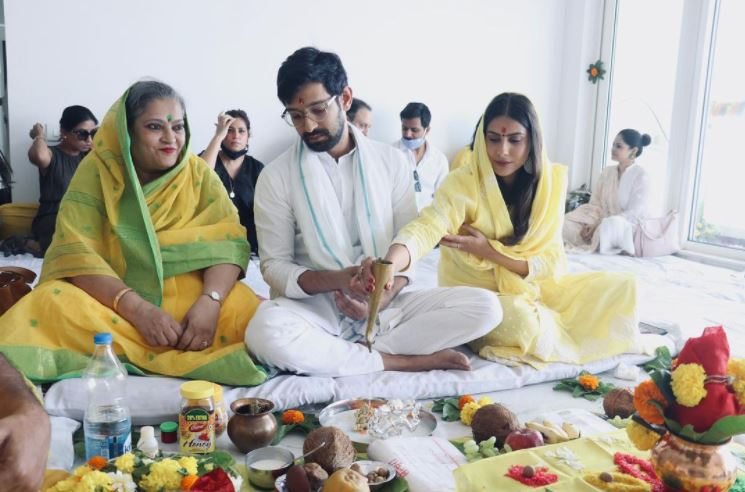 Vikrant Massey and Sheetal Thakur