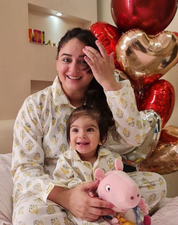 Mahhi Vij with her daughter Tara