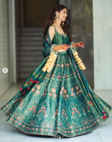 Bride Recreated Neha Kakkar Mehendi Lehenga