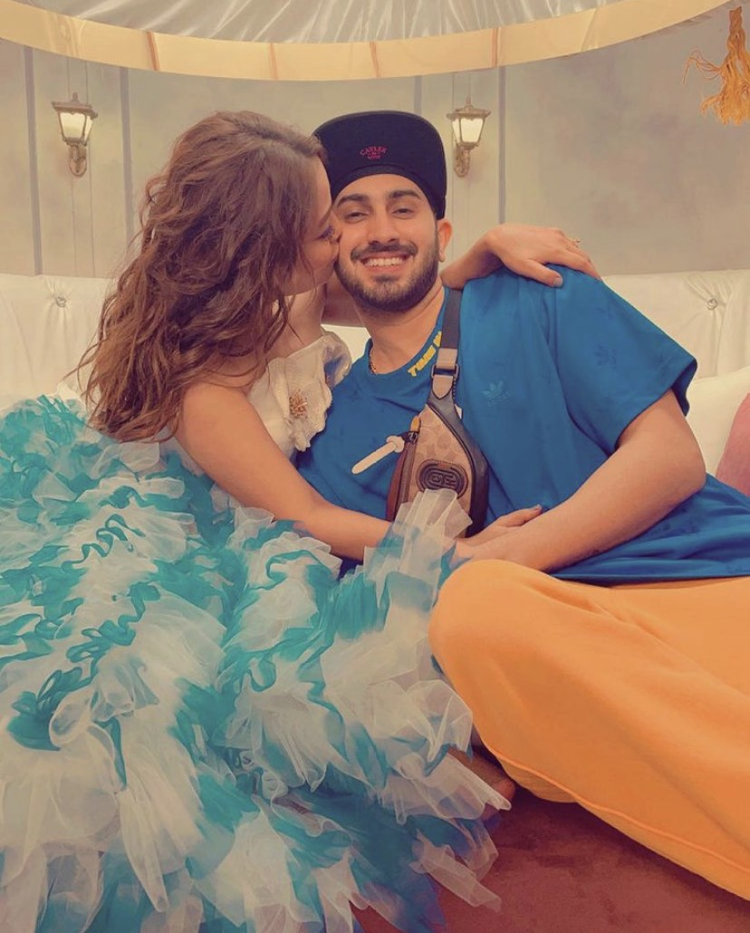 Rohanpreet Singh Showers Love On Neha Kakkar