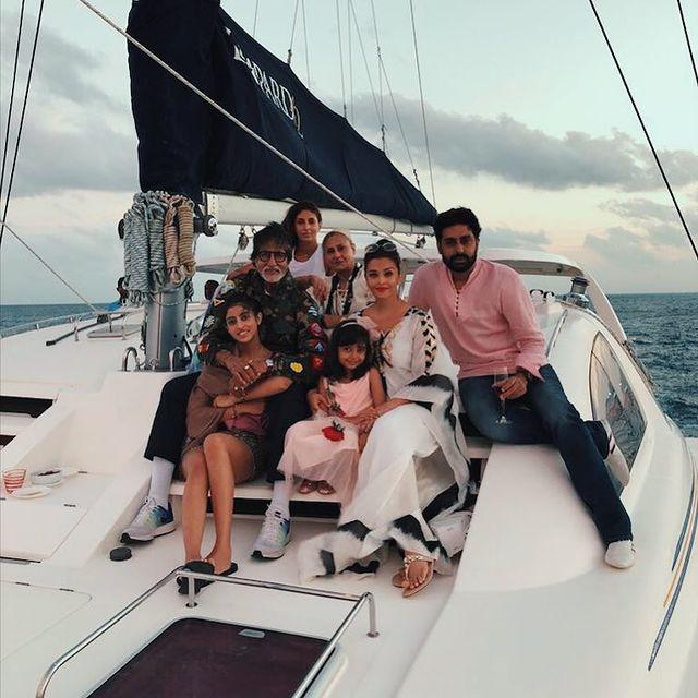 Amitabh Bachchan, Jaya Bachchan, Shweta Bachchan Nanda, Abhishek Bachchan, Aishwarya Rai Bachchan, Navya Naveli Nanda and Aaradhya Bachchan
