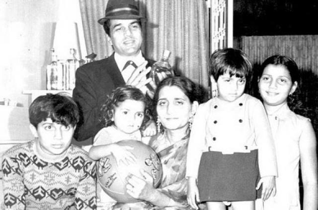 Dharmendra with his family