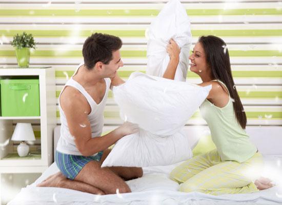 фото семейные игры в постели
