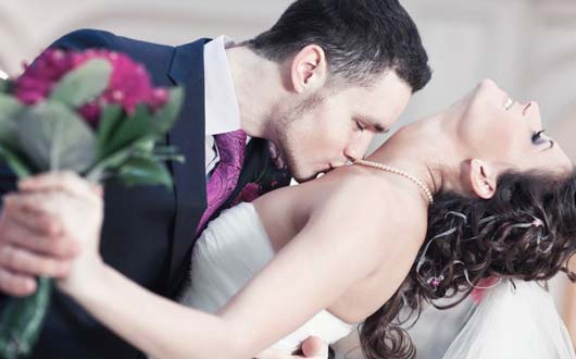 10 Sizzling Tips To E Up Your Wedding Night
