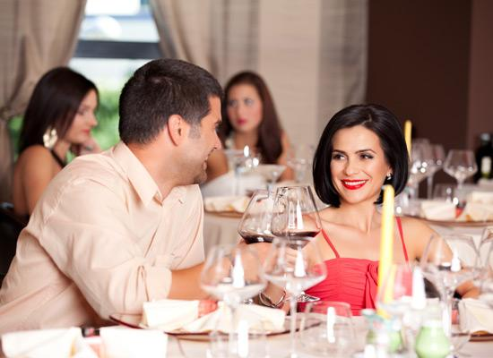 7 Essential Dining Habits That You Must Follow On A Romantic Date