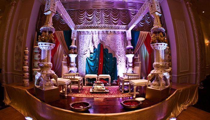 7 Breathtakingly Beautiful Wedding Mandap Decor Ideas That You Just Cannot Skip